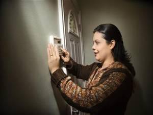 1.-Instalar-un-sistema-de-alarma